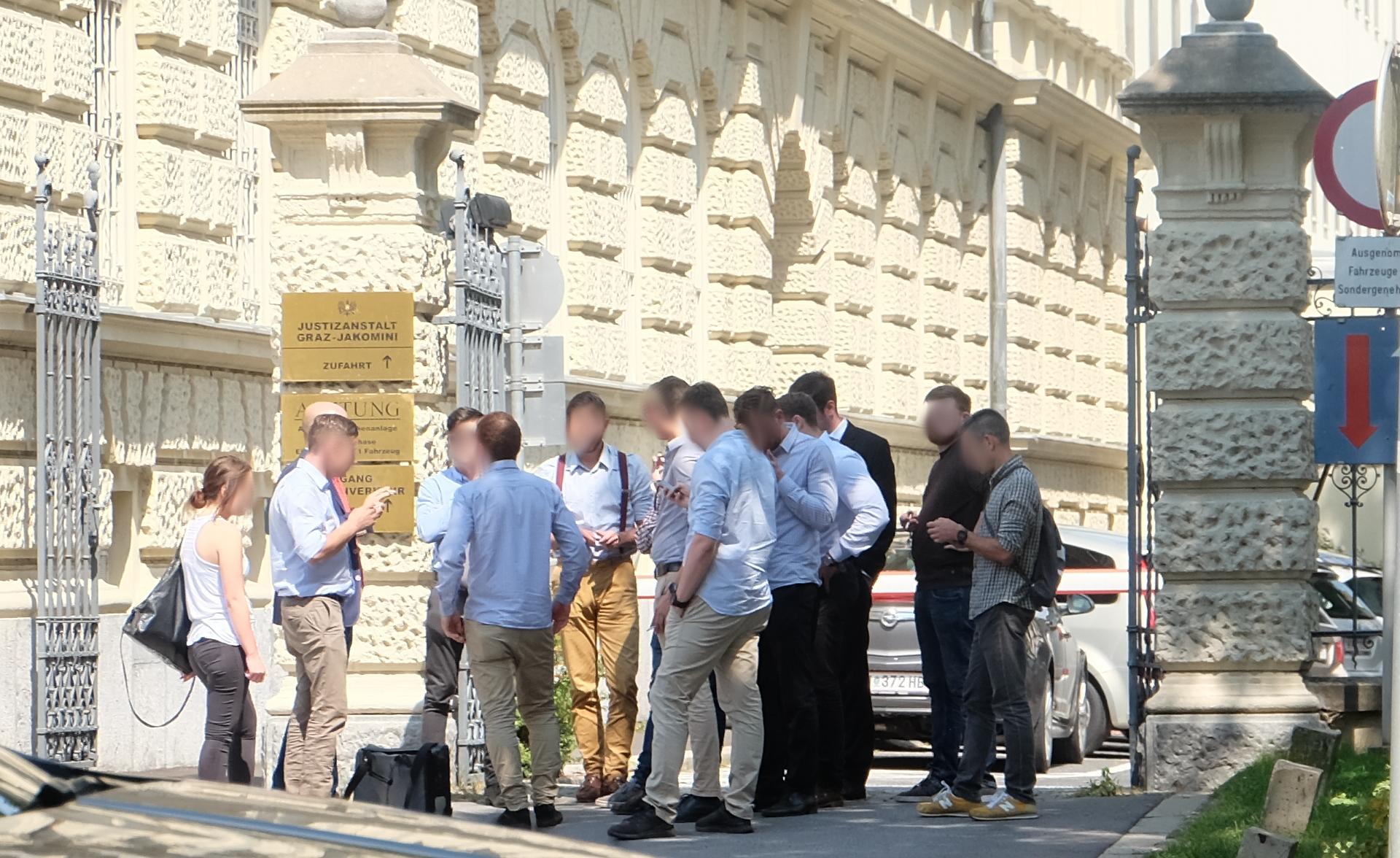 Identitären-Prozess-Angeklagte-Landesgericht