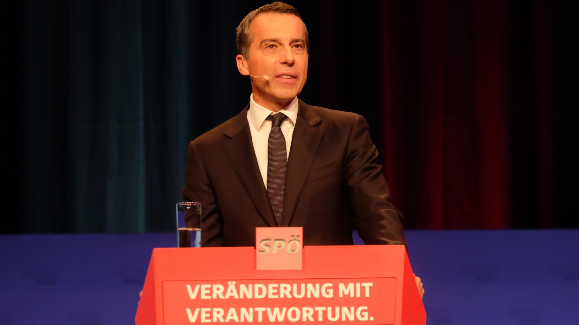 Christian-Kern-Rücktritt-SPÖ-Vorsitz-Graz-Podium
