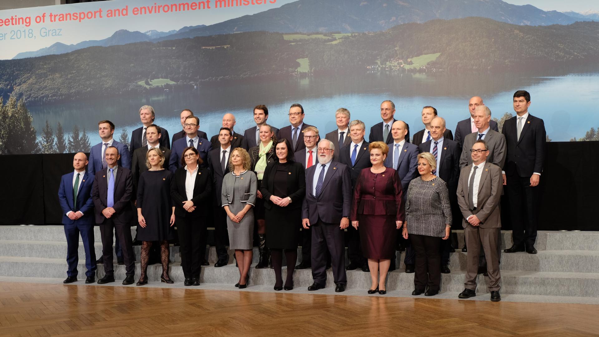 Informelles Treffen der EU Verkehrs und Umweltminister-Gruppenfoto-Elisabeth Köstinger-Graz-Umweltminister