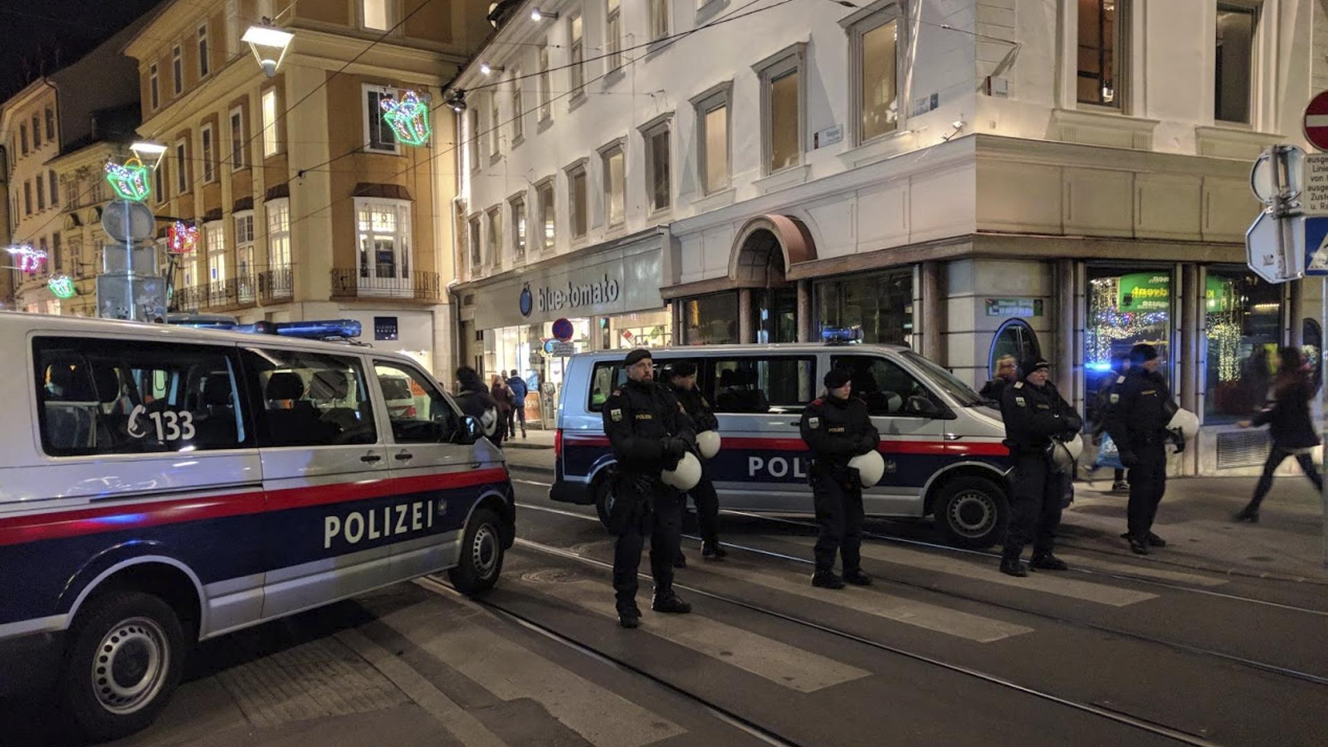 Polizeisperre-Graz-Murgasse-Donnerstagsdemo-Graz