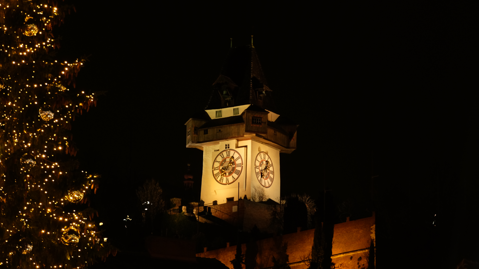 Schlossberg-Graz-Uhrturm-Weihnachten-Neujahr
