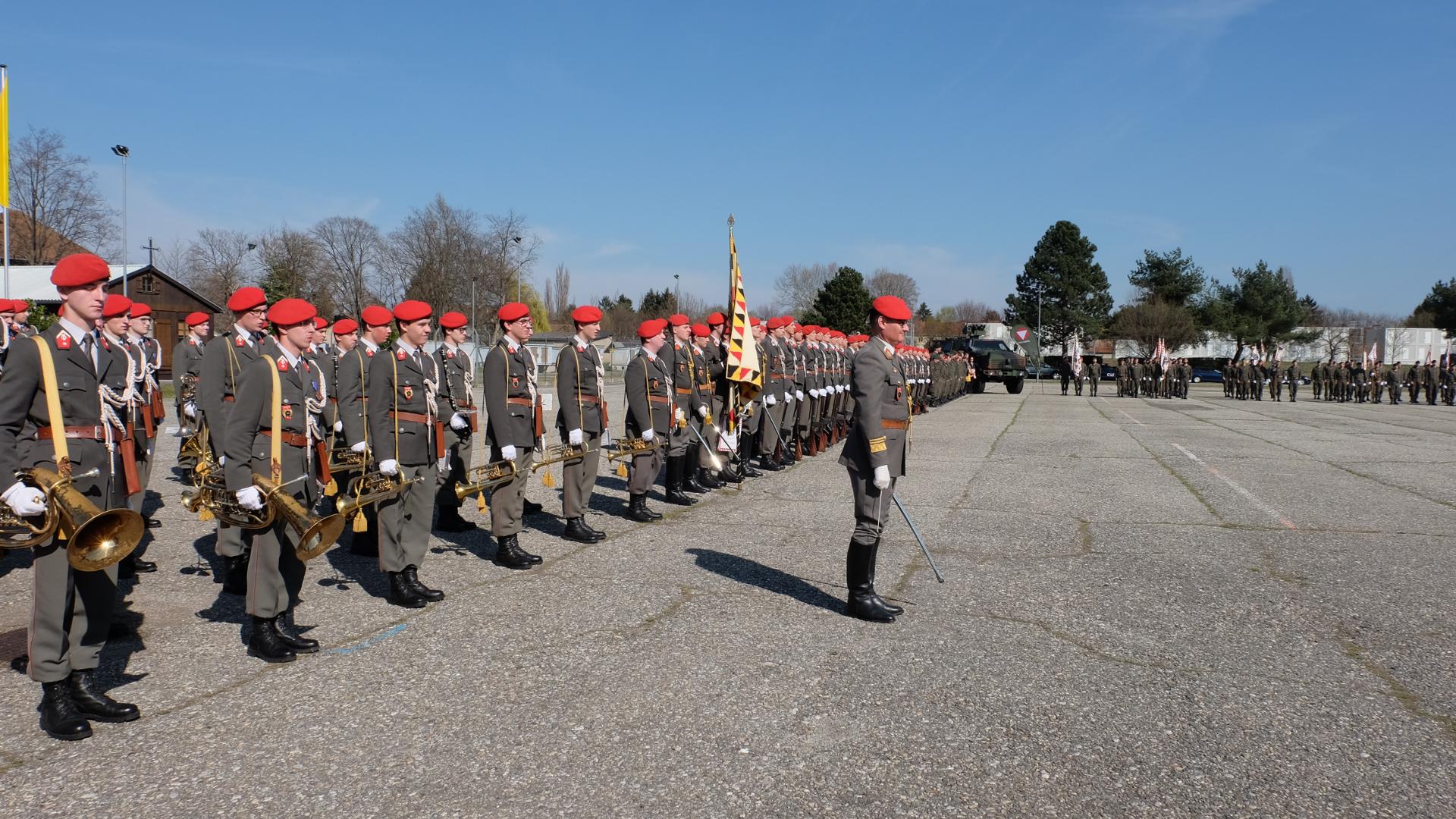 Österreichische Identität-Bundesheer-Identität-Garde-Graz-Parade-Soldaten