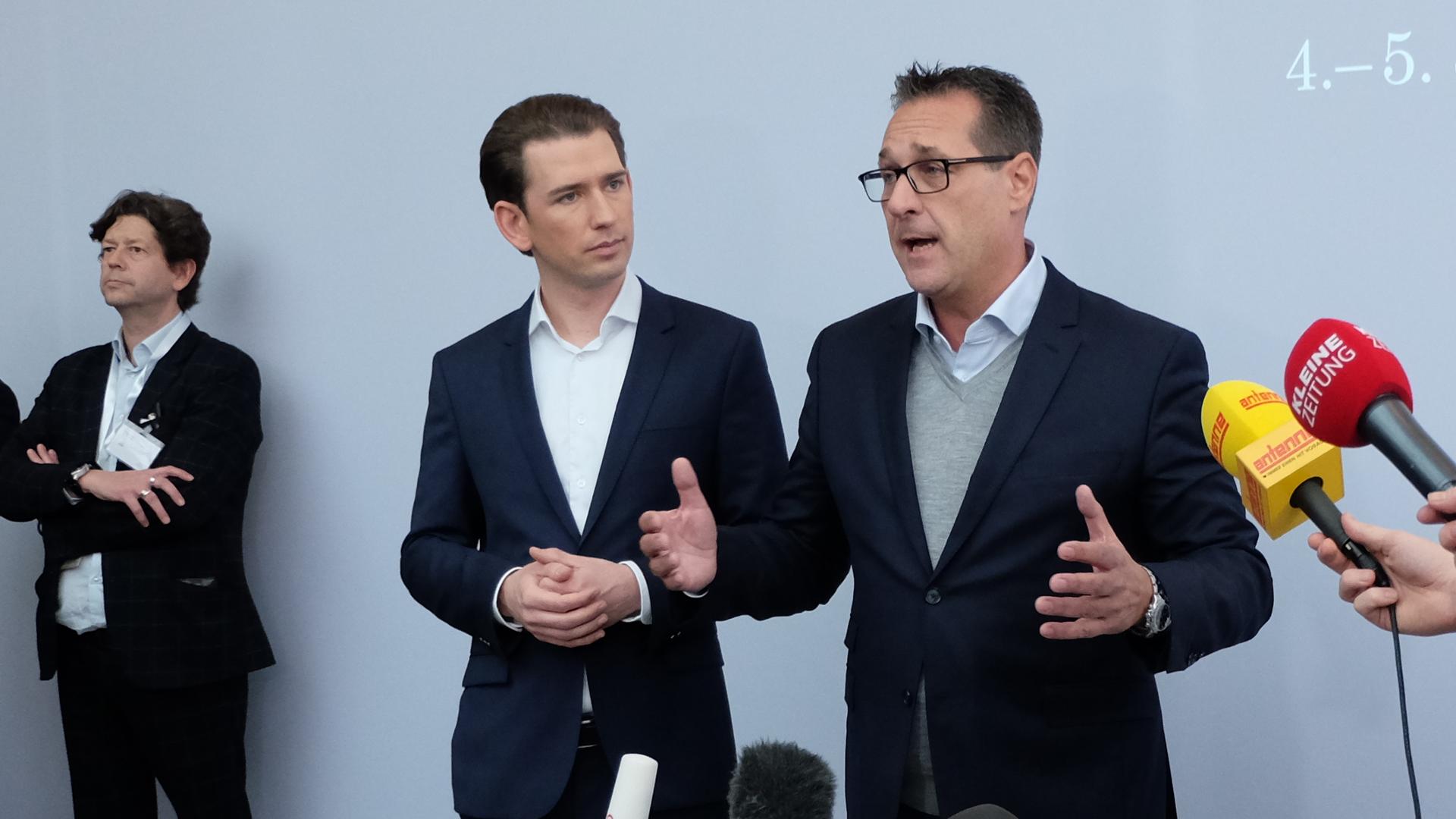 Kurz-Strache-Rücktritt-FPÖ-ÖVP-Regierung-Pressekonferenz