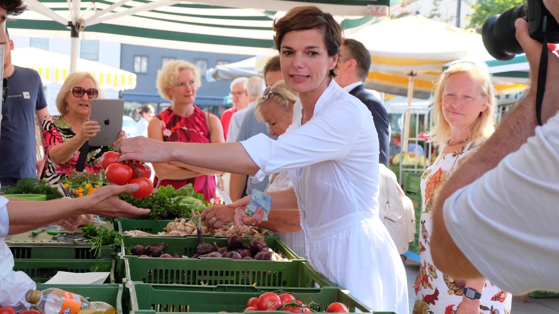 Pamela Rendi Wagner-Österreich-Politik-Graz-Steiermark-Bauernmarkt-NRW19-Wahl 2019-SPÖ