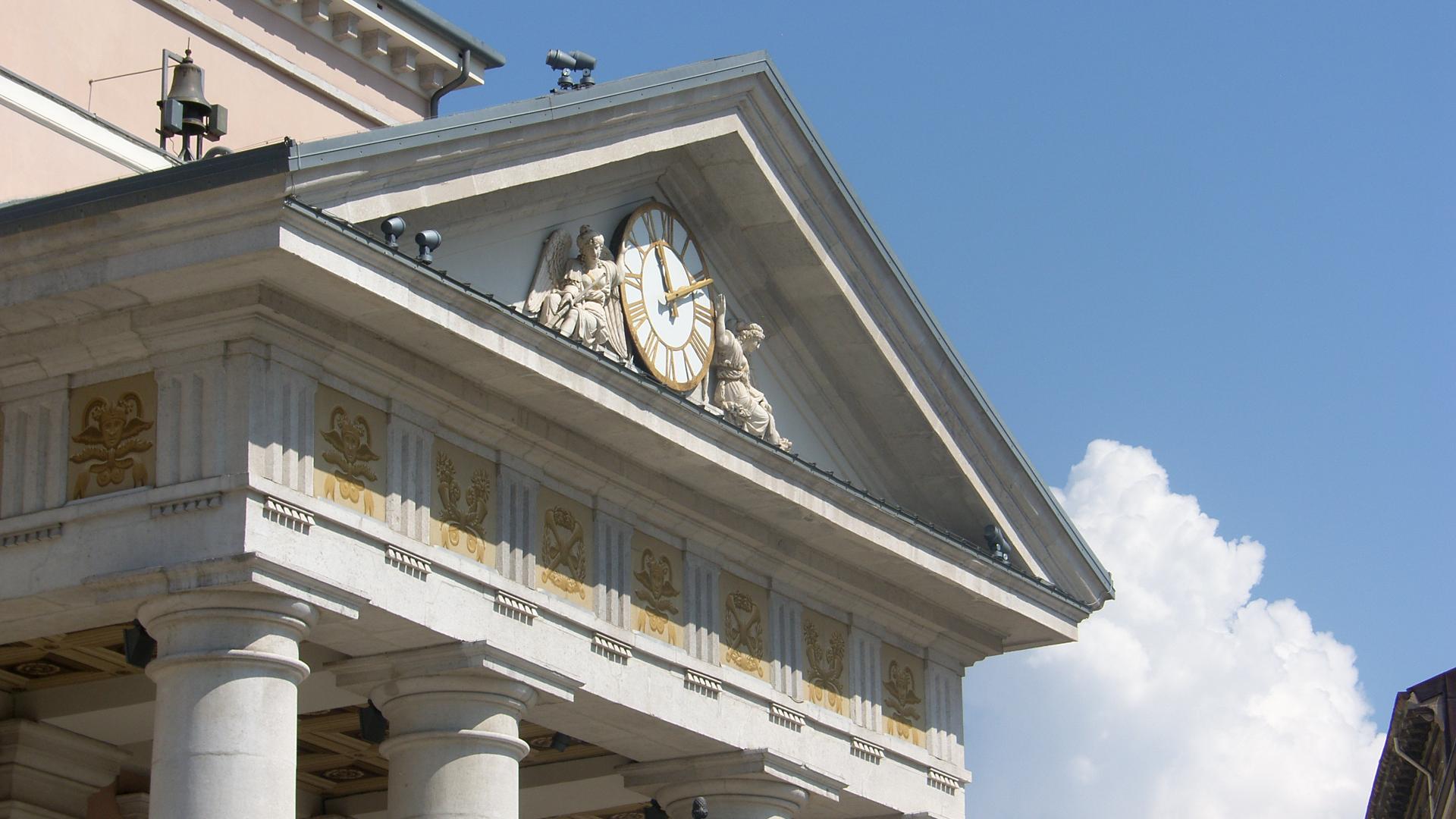 Triest-Uhr-Börsenplatz-Alte Börse-Zeit-Inside Politics-Blogger- Zehn Jahre