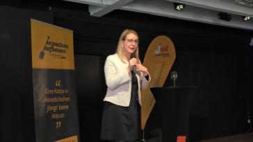 Startup-Spacelend-Graz-Österreich-Margarete Schramböck-Politik-Wirtschaft