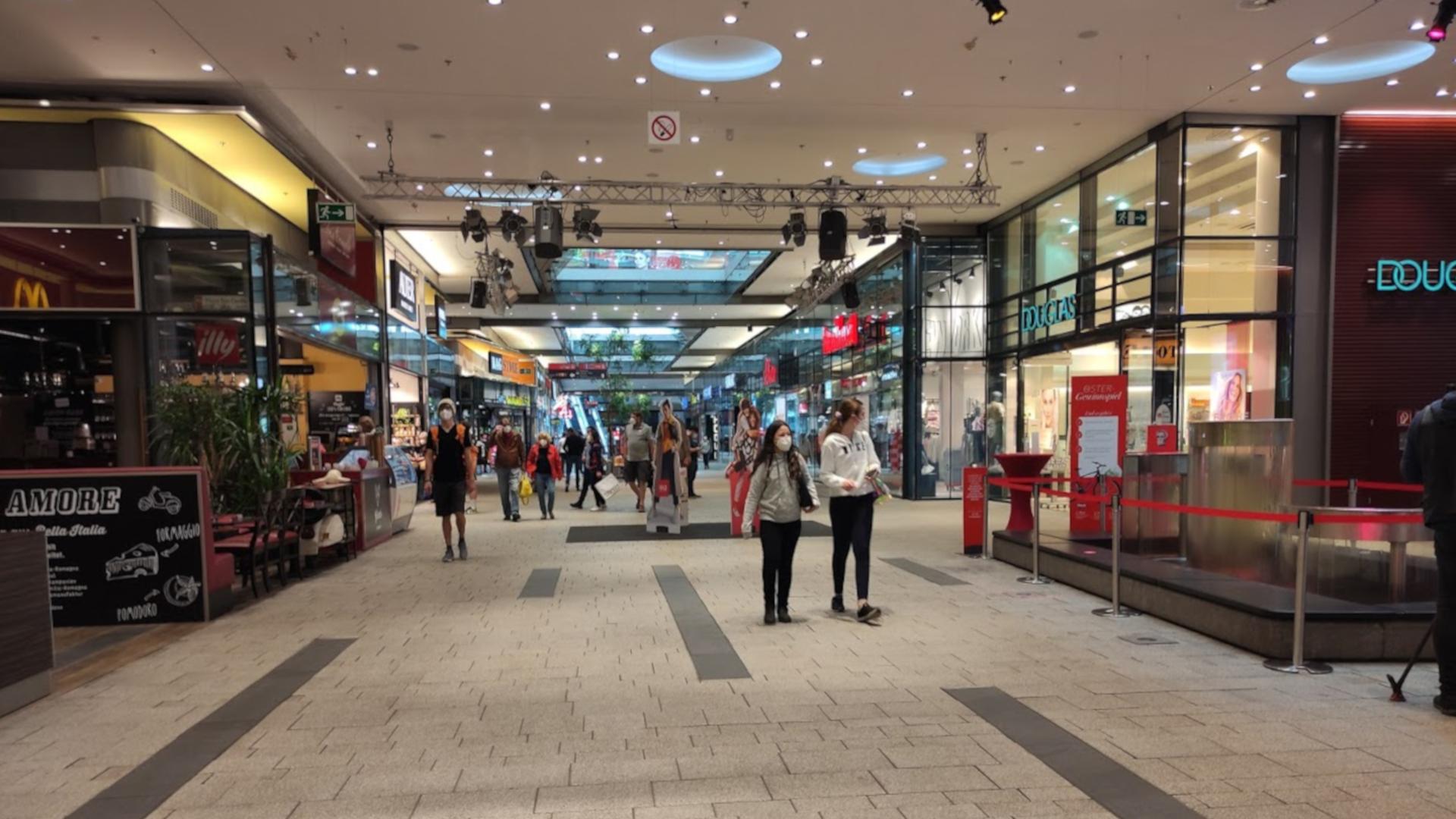 Ostern-Graz-Murpark-Pandemie-FFP2-Maske-Einkaufen